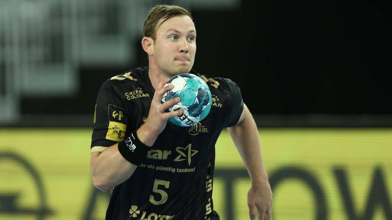 Bundesliga: Sagosen parádéval élre állt a Kiel