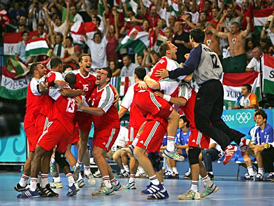 Athén 2004: A dobogó harmadjára sem sikerült, de az Európa-bajnok németek legyőzése a mai napig szép emlék.